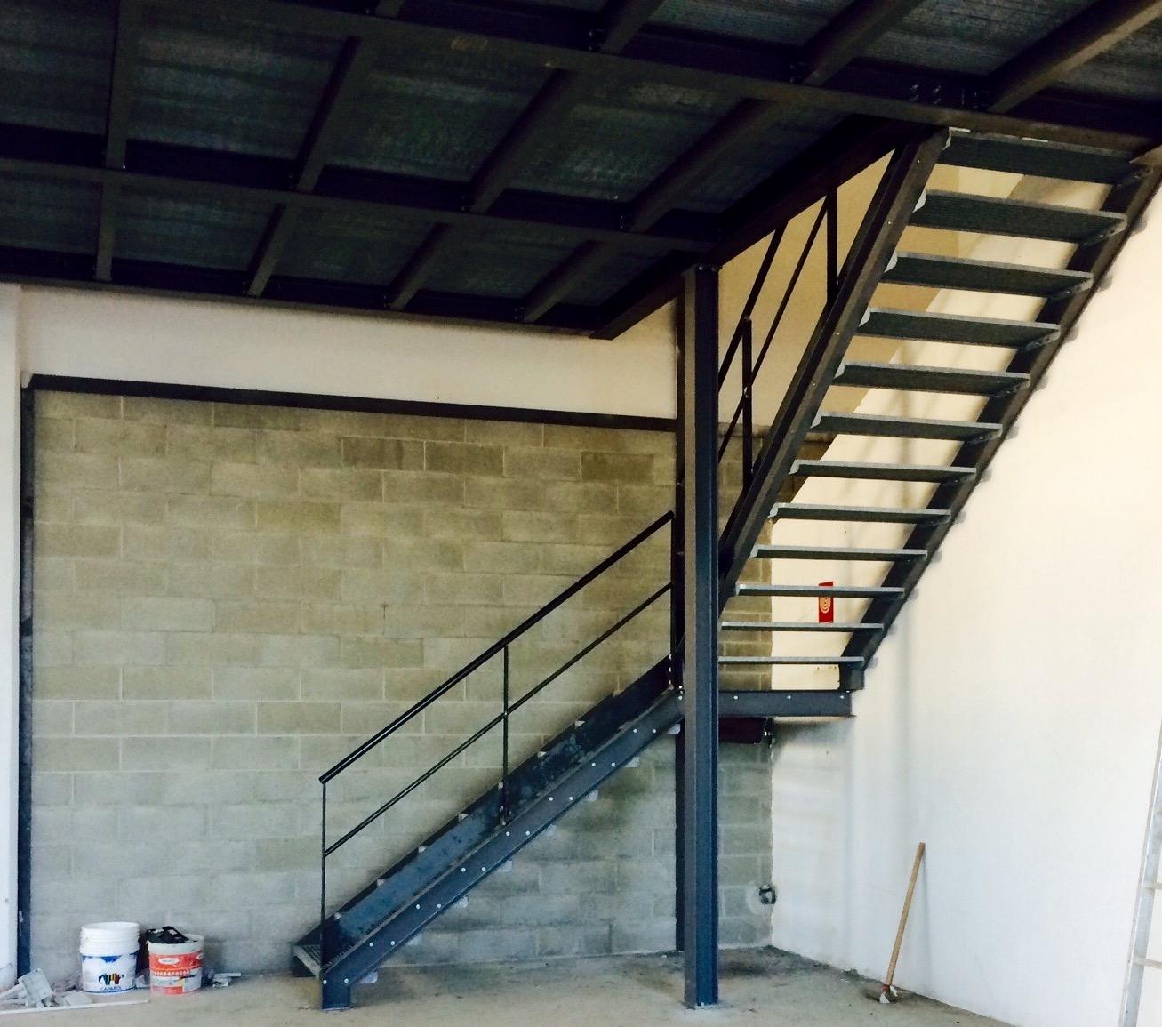 Famoso Scala in ferro per accesso soppalco | carpenteria setten FE94